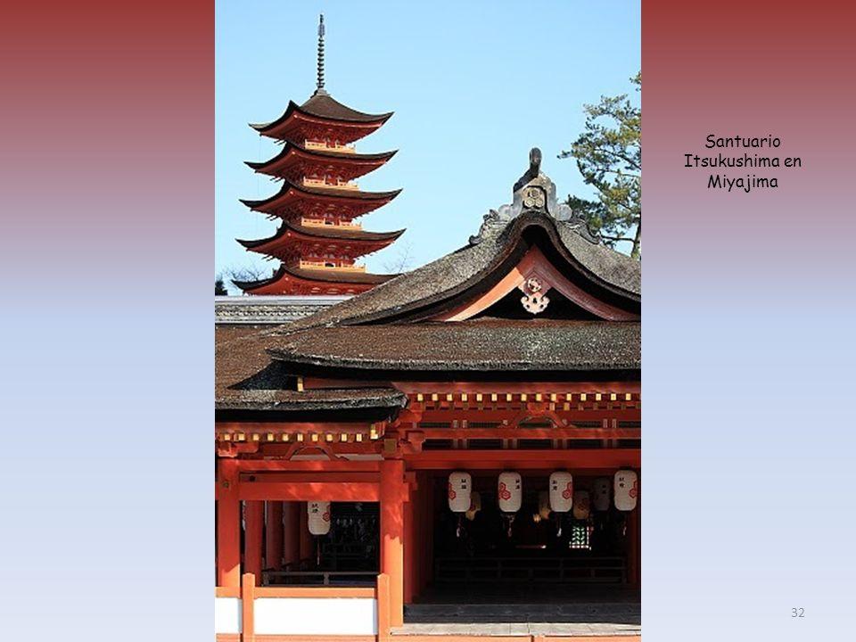 Santuario Itsukushima en Miyajima 32