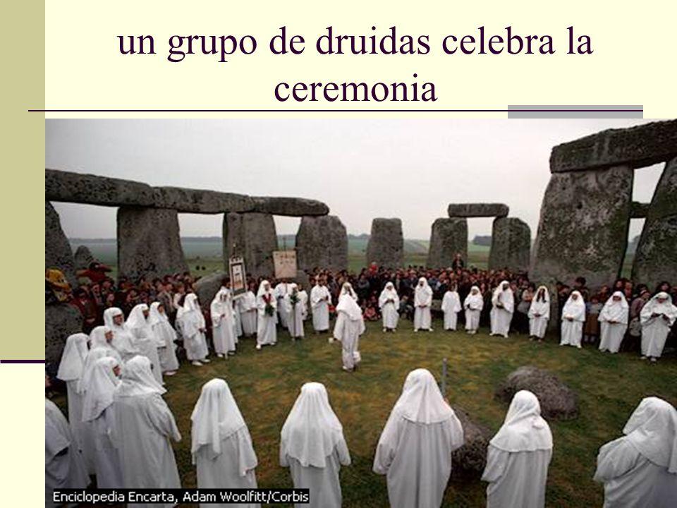 Ellos interpretaban estos fenómenos estacionales como un decaimiento de su dios sol, el cual pensaban ellos, estaba perdiendo fuerza porque Samhain lo estaba subyugando.