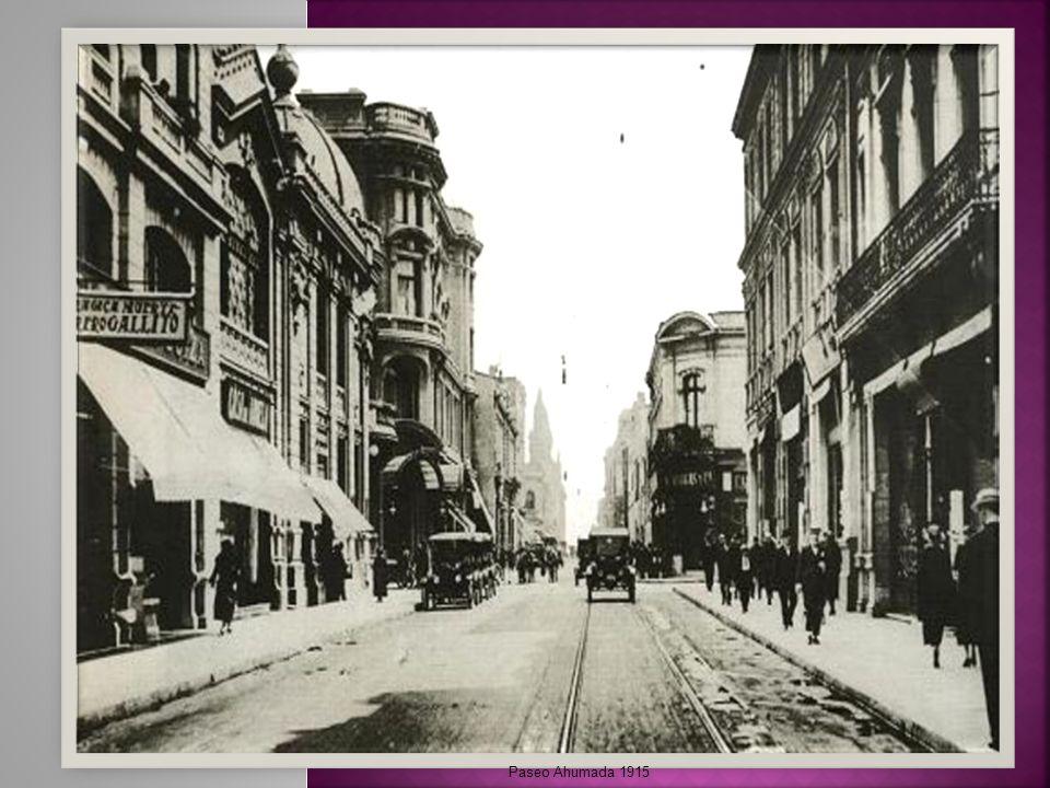 Actualmente es el eje de mayor actividad social, comercial y funcional de Santiago
