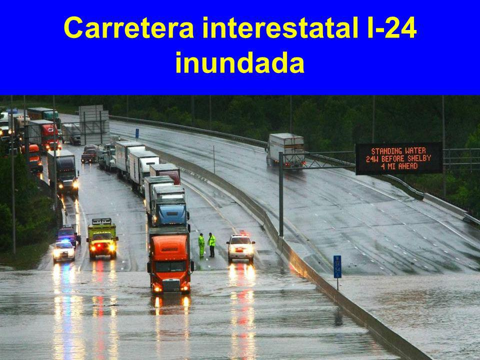Carretera interestatal I-24 inundada