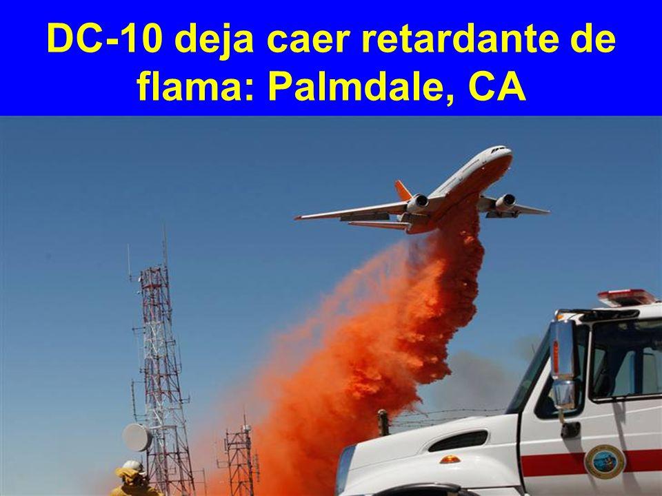 DC-10 deja caer retardante de flama: Palmdale, CA