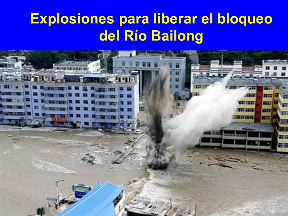 Explosiones para liberar el bloqueo del Río Bailong