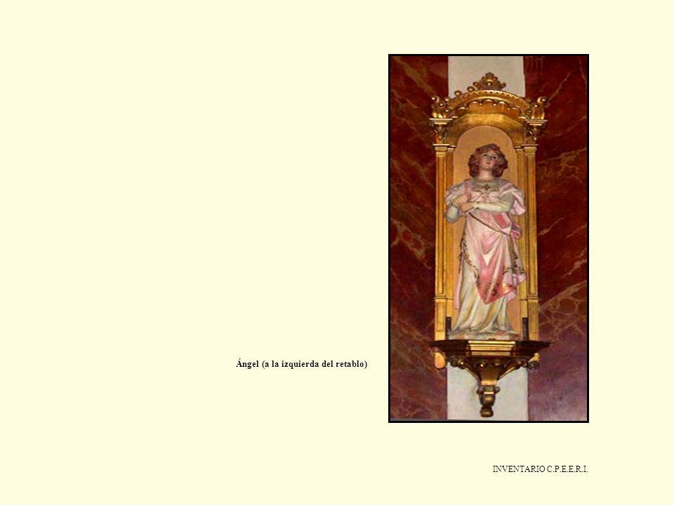 Ángel (a la izquierda del retablo)
