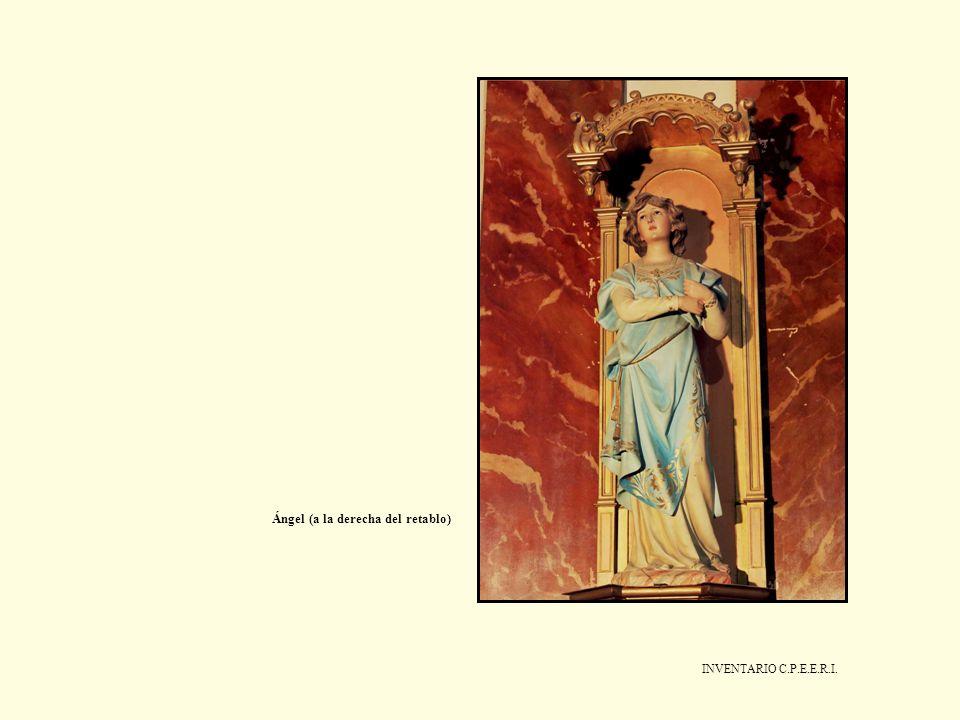 Ángel (a la derecha del retablo)