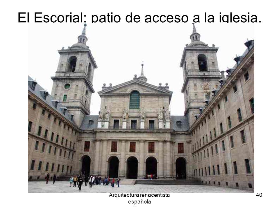 El Escorial: patio de acceso a la iglesia.