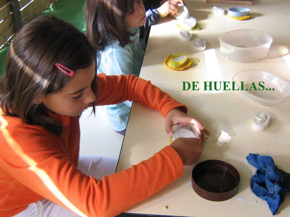 DE HUELLAS...