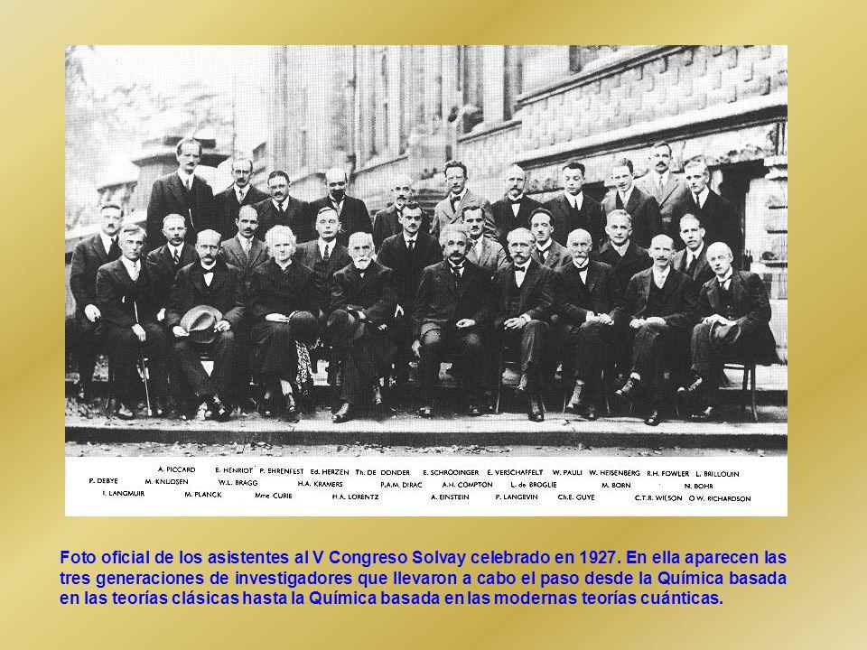 Foto oficial de los asistentes al V Congreso Solvay celebrado en 1927