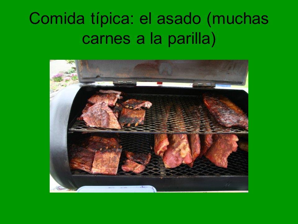 Comida típica: el asado (muchas carnes a la parilla)