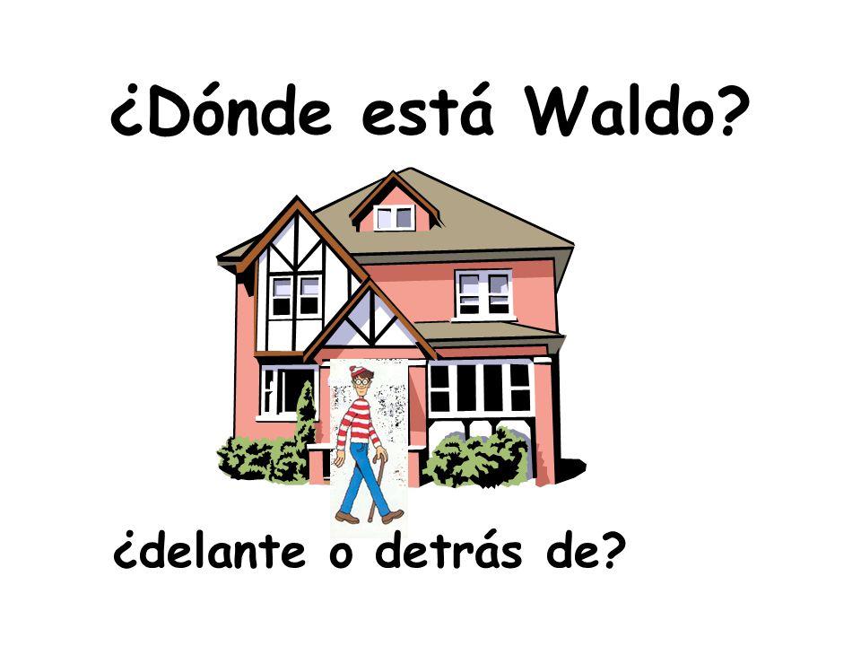 ¿Dónde está Waldo ¿delante o detrás de