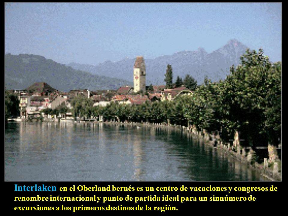 Interlaken en el Oberland bernés es un centro de vacaciones y congresos de renombre internacional y punto de partida ideal para un sinnúmero de excursiones a los primeros destinos de la región.