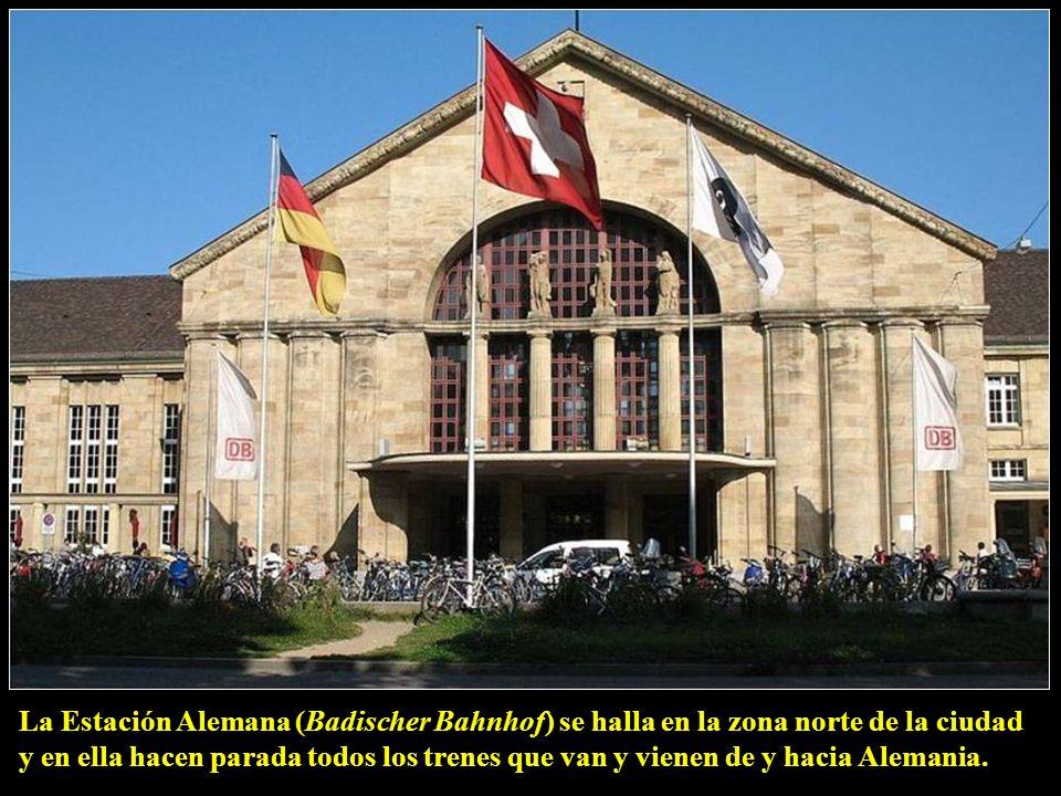 La Estación Alemana (Badischer Bahnhof) se halla en la zona norte de la ciudad y en ella hacen parada todos los trenes que van y vienen de y hacia Alemania.