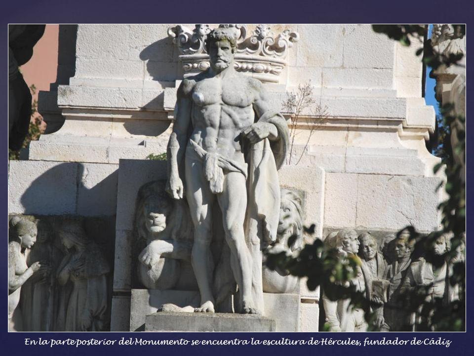 En la parte posterior del Monumento se encuentra la escultura de Hércules, fundador de Cádiz
