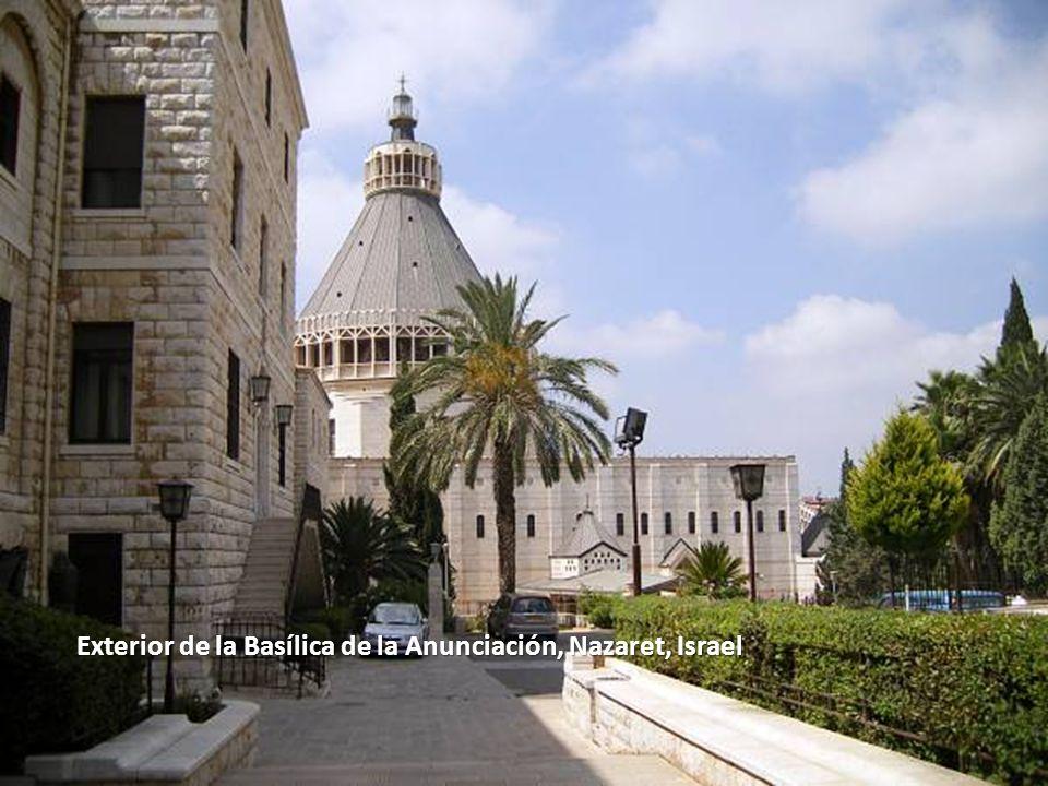 Exterior de la Basílica de la Anunciación, Nazaret, Israel