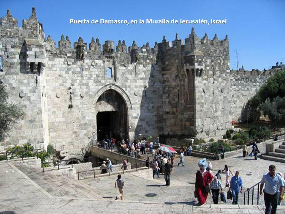 Puerta de Damasco, en la Muralla de Jerusalén, Israel