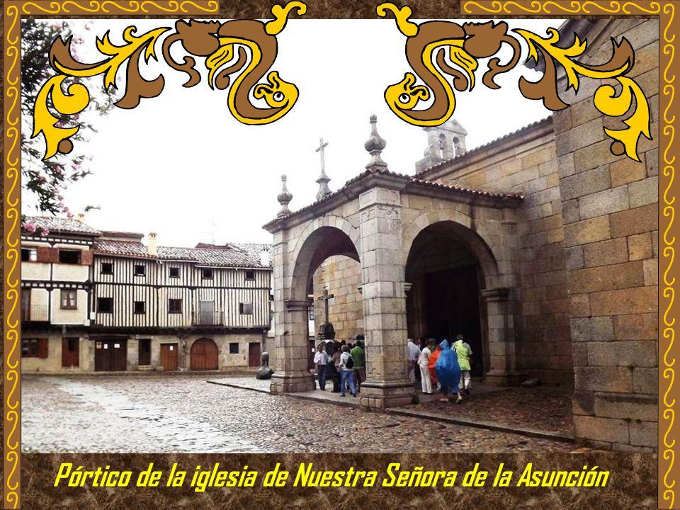 Pórtico de la iglesia de Nuestra Señora de la Asunción