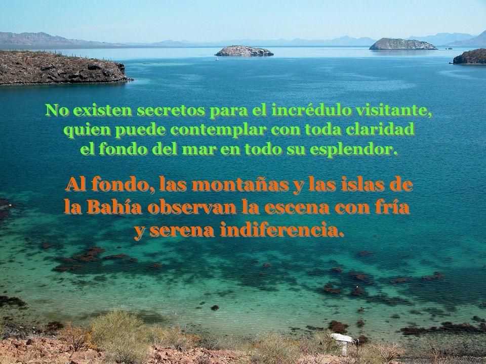 Al fondo, las montañas y las islas de