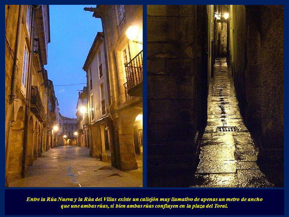 Entre la Rúa Nueva y la Rúa del Villas existe un callejón muy llamativo de apenas un metro de ancho