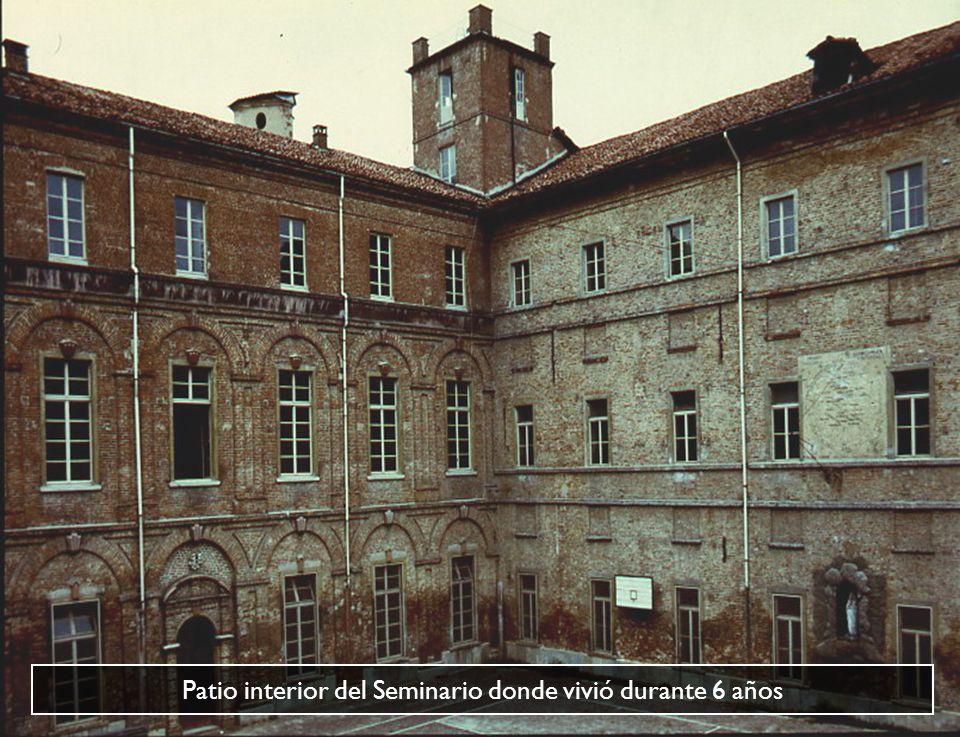 Patio interior del Seminario donde vivió durante 6 años