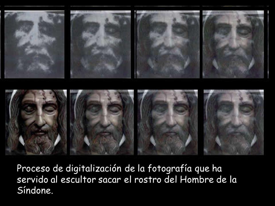 Proceso de digitalización de la fotografía que ha servido al escultor sacar el rostro del Hombre de la Síndone.