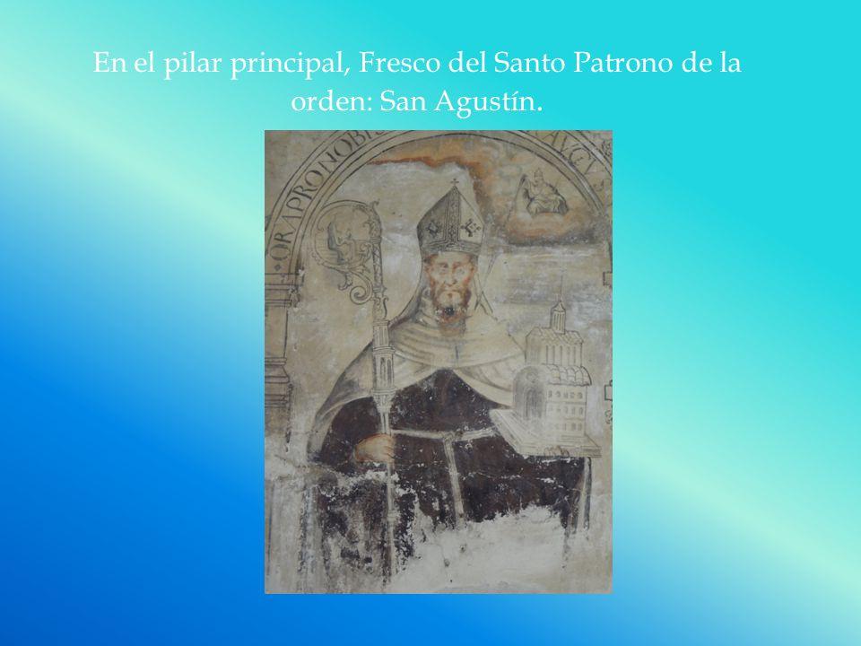 En el pilar principal, Fresco del Santo Patrono de la orden: San Agustín.