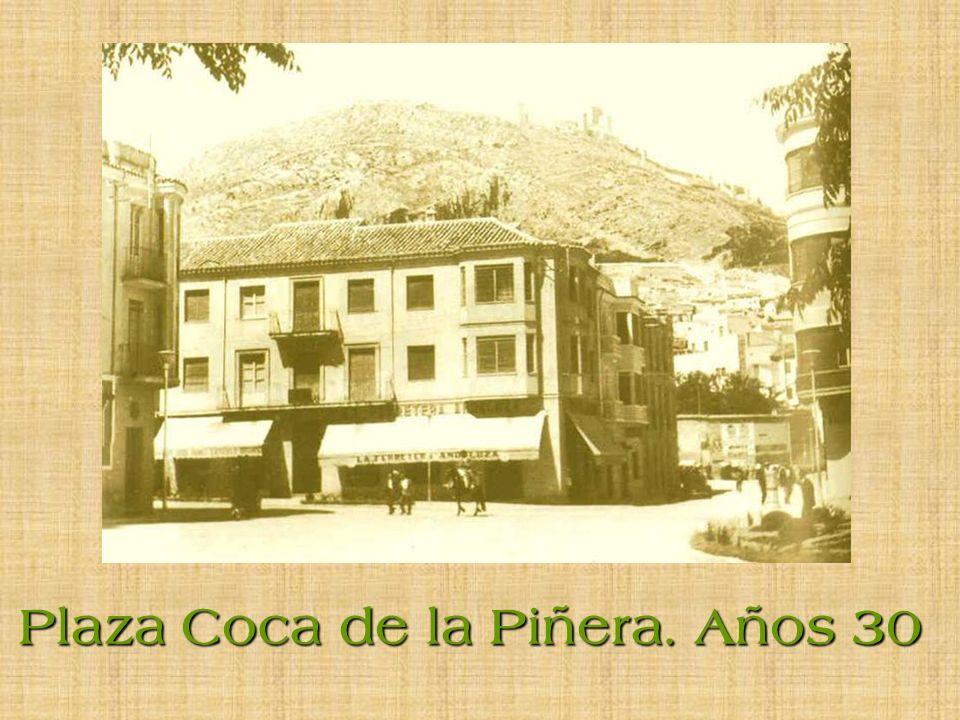 Plaza Coca de la Piñera. Años 30