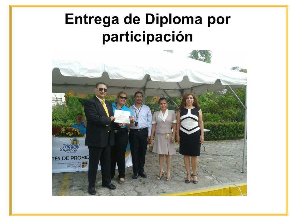 Entrega de Diploma por participación