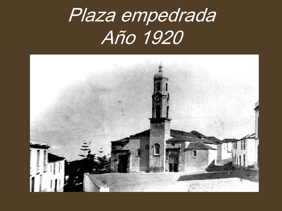 Plaza empedrada Año 1920