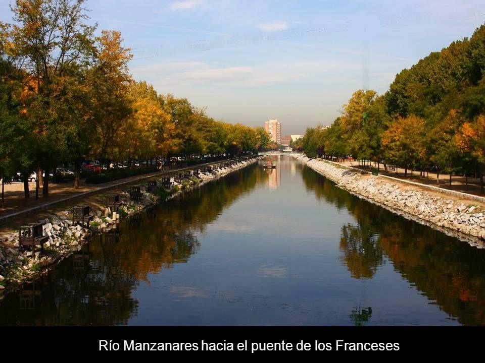 Río Manzanares hacia el puente de los Franceses