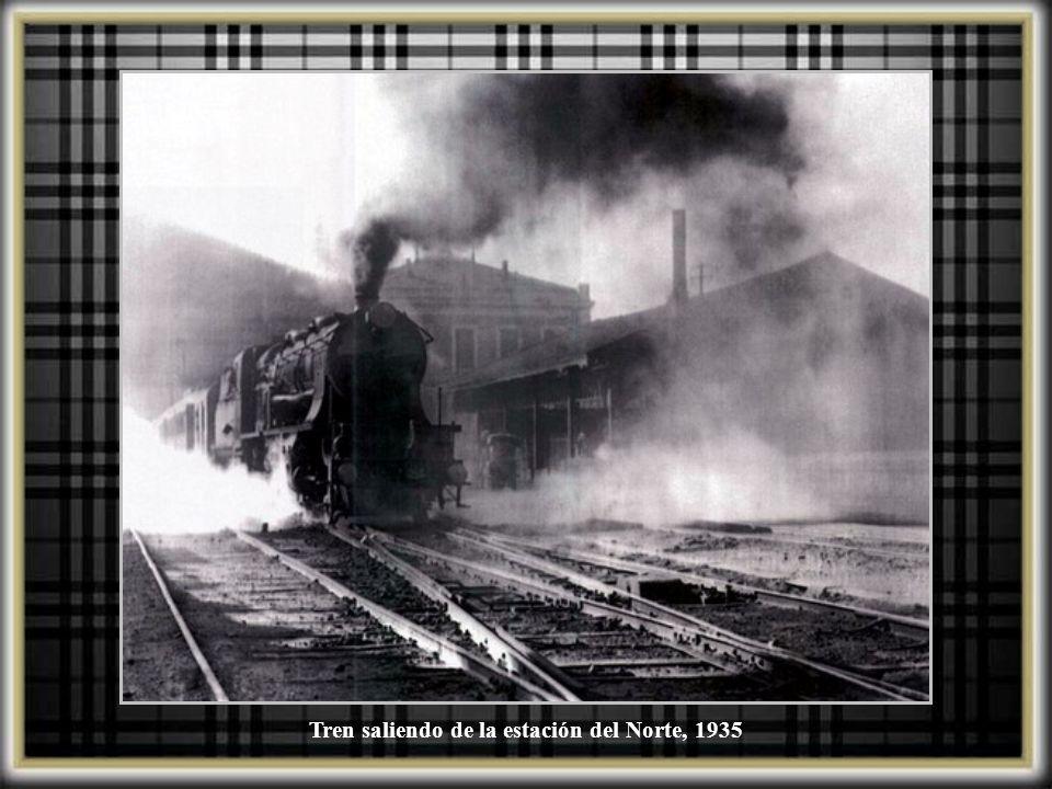 Tren saliendo de la estación del Norte, 1935