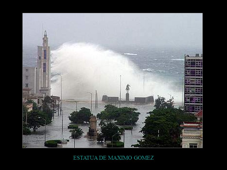 ESTATUA DE MAXIMO GOMEZ