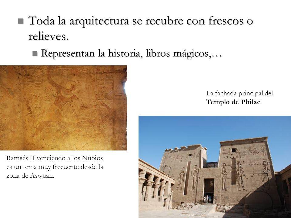 Toda la arquitectura se recubre con frescos o relieves.