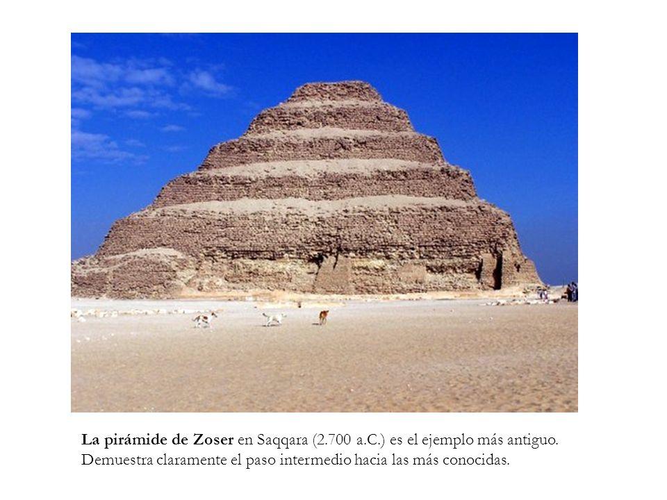 La pirámide de Zoser en Saqqara (2. 700 a. C