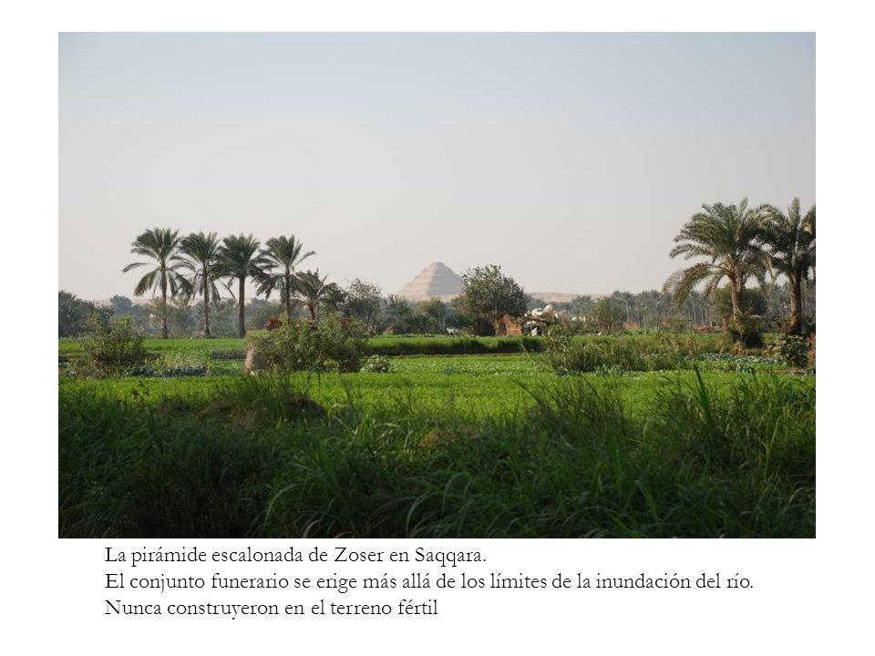 La pirámide escalonada de Zoser en Saqqara.