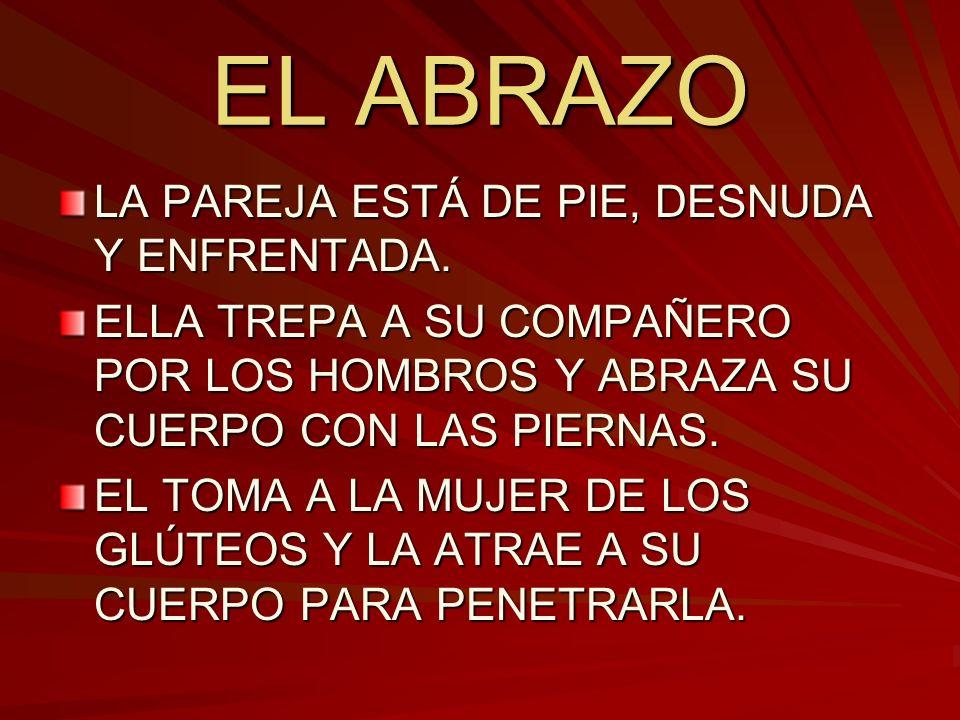 EL ABRAZO LA PAREJA ESTÁ DE PIE, DESNUDA Y ENFRENTADA.