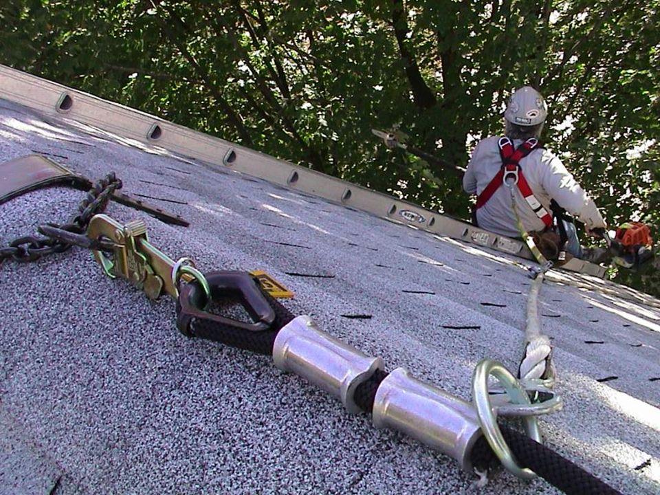 En estas fotografías se muestran techos planos y con pendiente tanto en aplicaciones comerciales como residenciales.