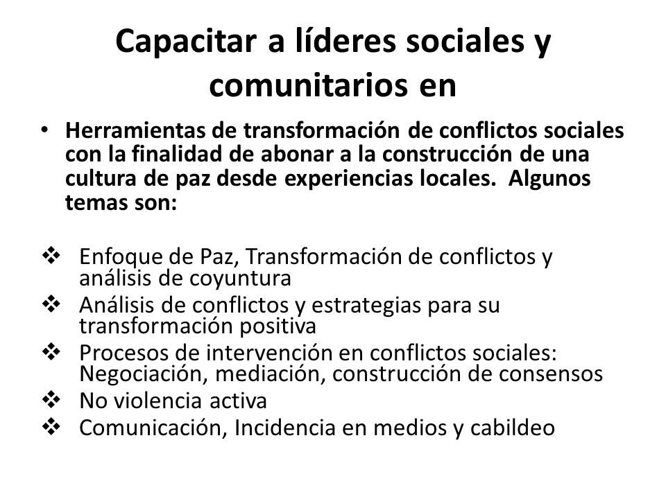 Capacitar a líderes sociales y comunitarios en