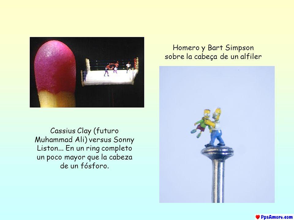 Homero y Bart Simpson sobre la cabeça de un alfiler