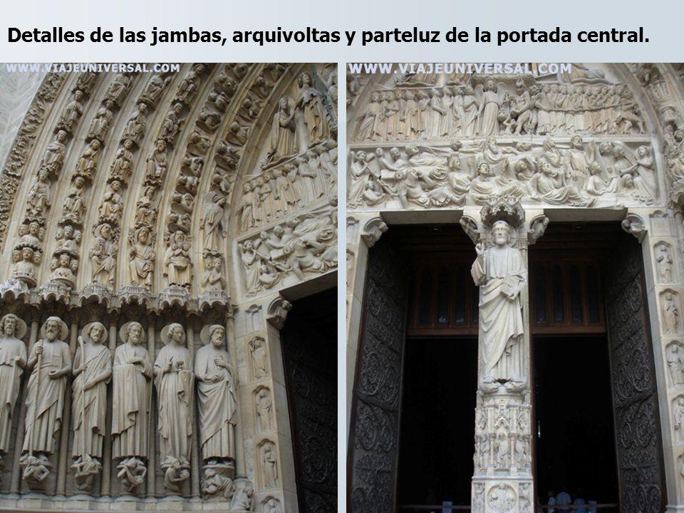 Detalles de las jambas, arquivoltas y parteluz de la portada central.