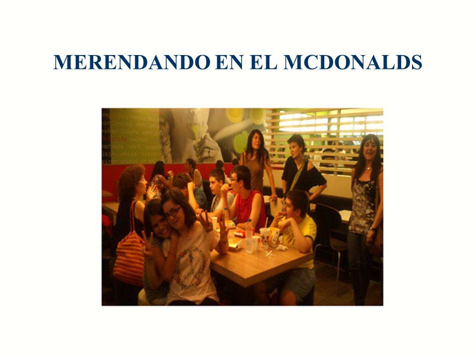 MERENDANDO EN EL MCDONALDS