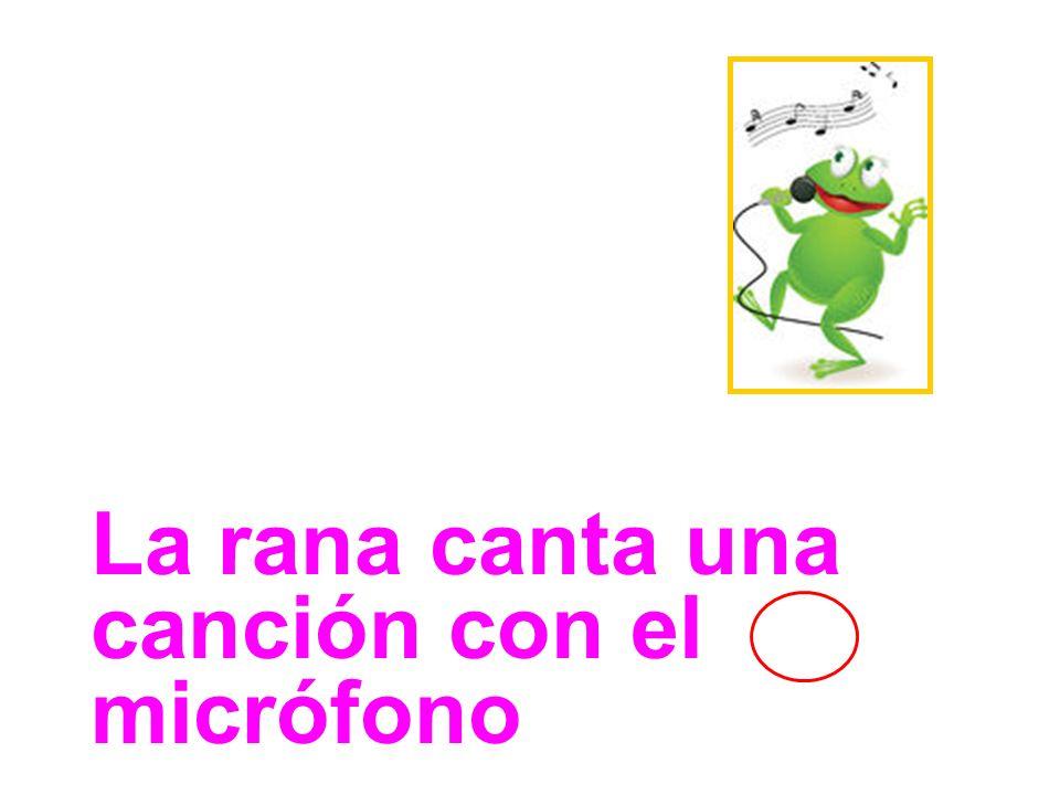 La rana canta una canción con el micrófono