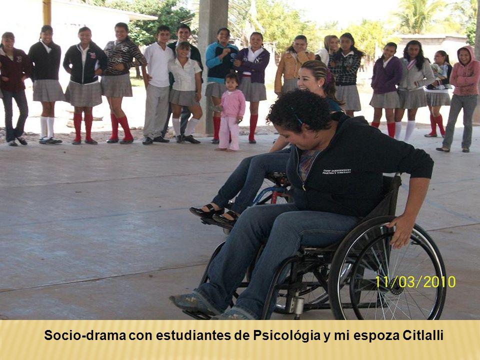Socio-drama con estudiantes de Psicológia y mi espoza Citlalli