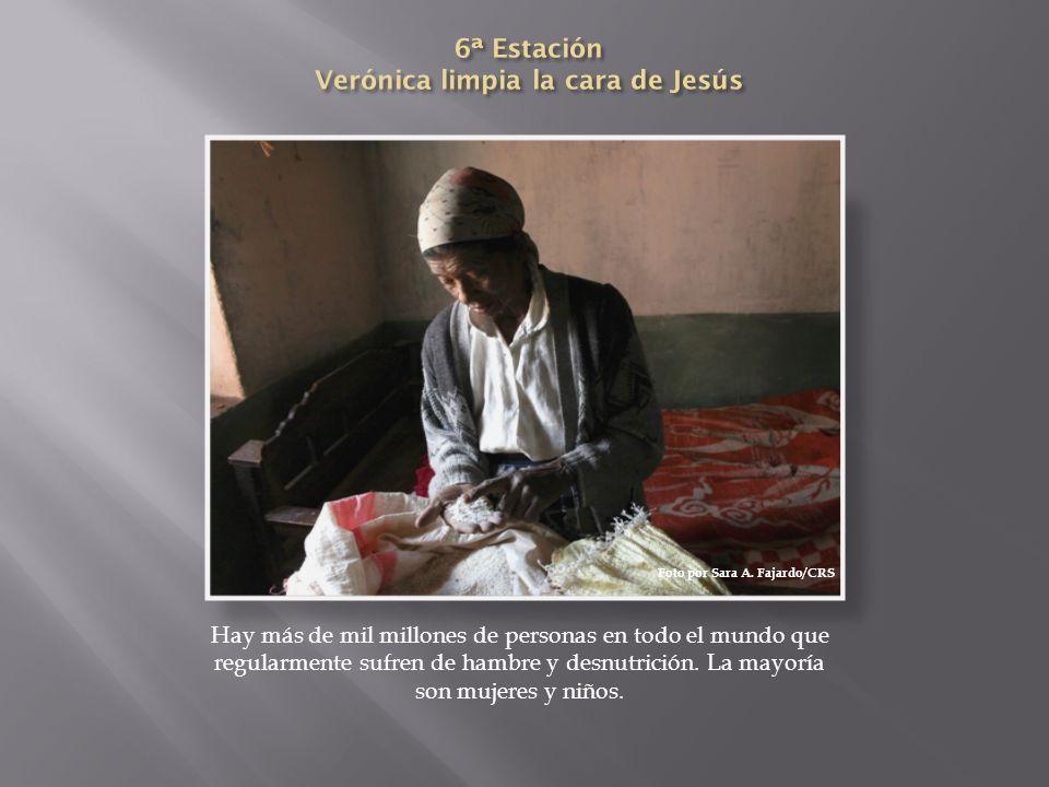 6ª Estación Verónica limpia la cara de Jesús