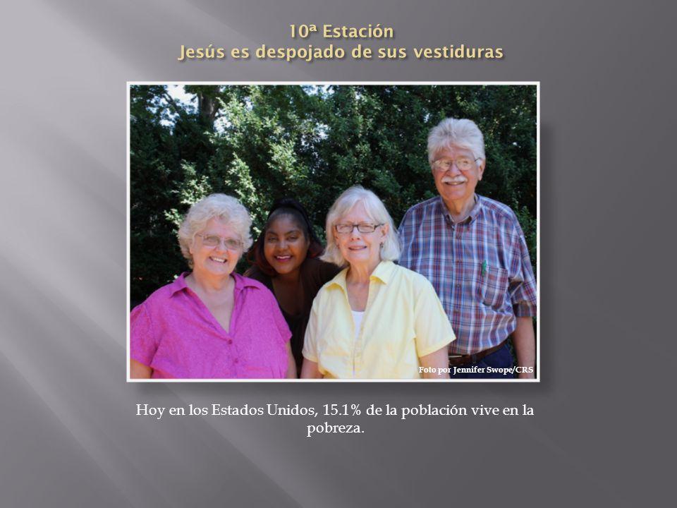 10ª Estación Jesús es despojado de sus vestiduras