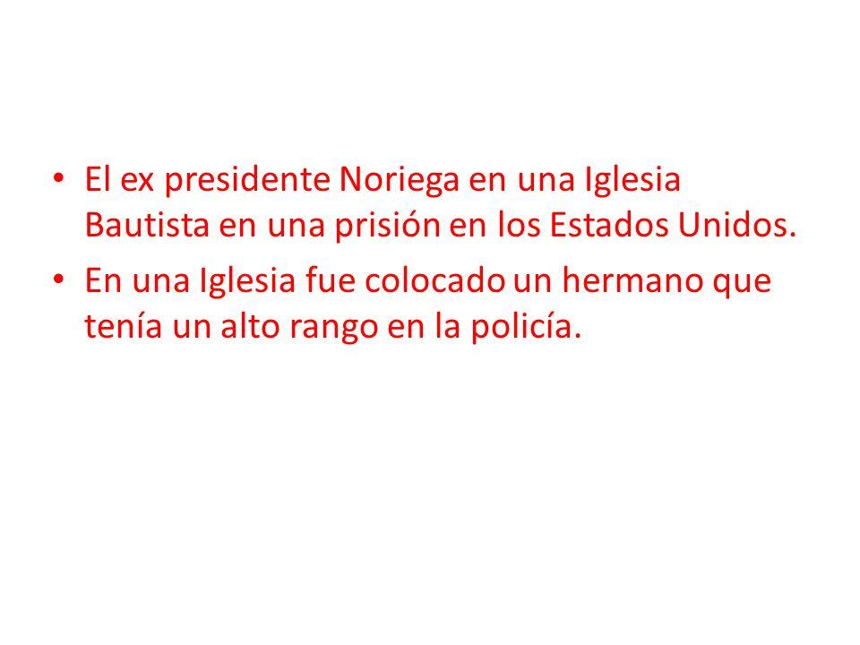 El ex presidente Noriega en una Iglesia Bautista en una prisión en los Estados Unidos.