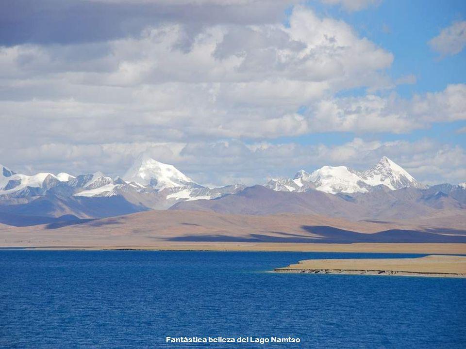Fantástica belleza del Lago Namtso