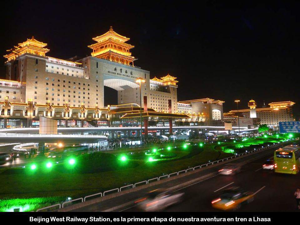 Beijing West Railway Station, es la primera etapa de nuestra aventura en tren a Lhasa