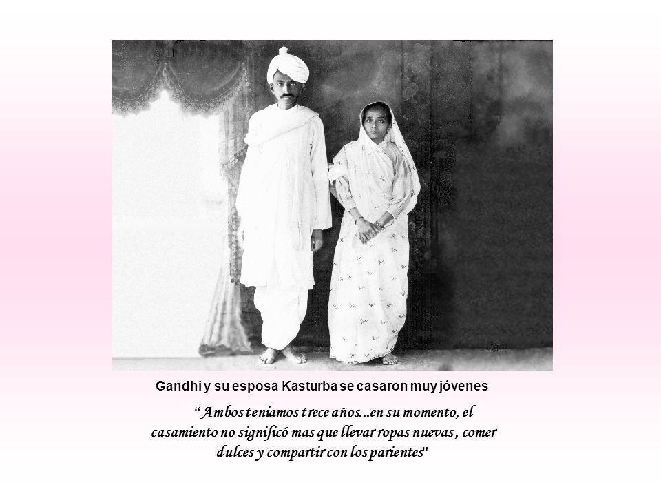 Gandhi y su esposa Kasturba se casaron muy jóvenes