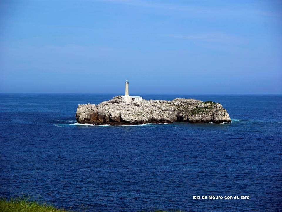 Isla de Mouro con su faro