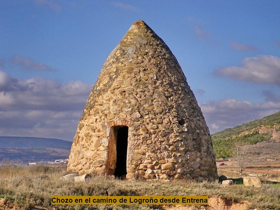 Chozo en el camino de Logroño desde Entrena