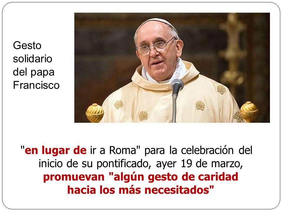 Gesto solidario. del papa. Francisco.